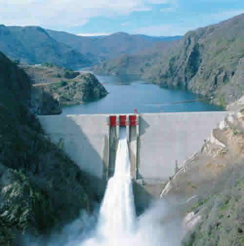 Central Hidroeléctrica Ralco de ENDESA, ubicada en territorios Mapuche Pehuenche del Alto Bio-Bio.