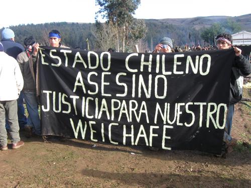 Funeral Jaime Mendoza Collio, Mapuche asiesinado por CARABINEROS DE CHILE y GOLPEADO POST MORTEM.